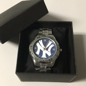 🆕 New York Yankees Watch With Box